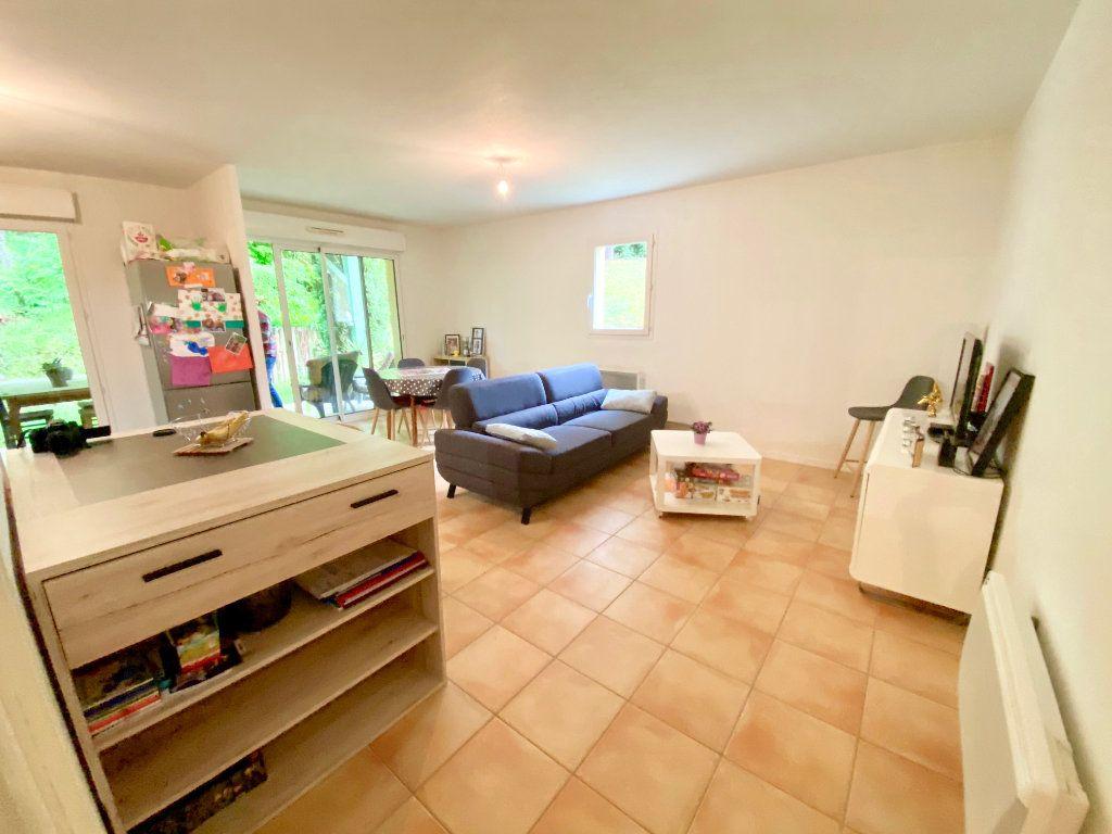 Appartement à vendre 3 63m2 à Saint-Vincent-de-Tyrosse vignette-2