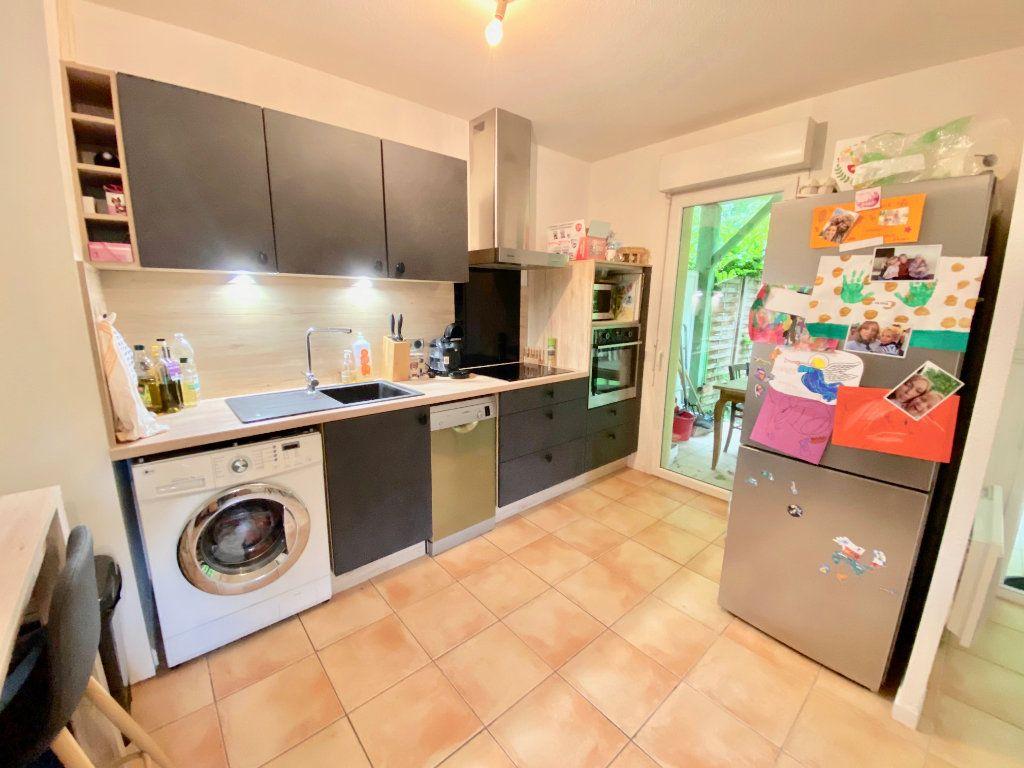 Appartement à vendre 3 63m2 à Saint-Vincent-de-Tyrosse vignette-3