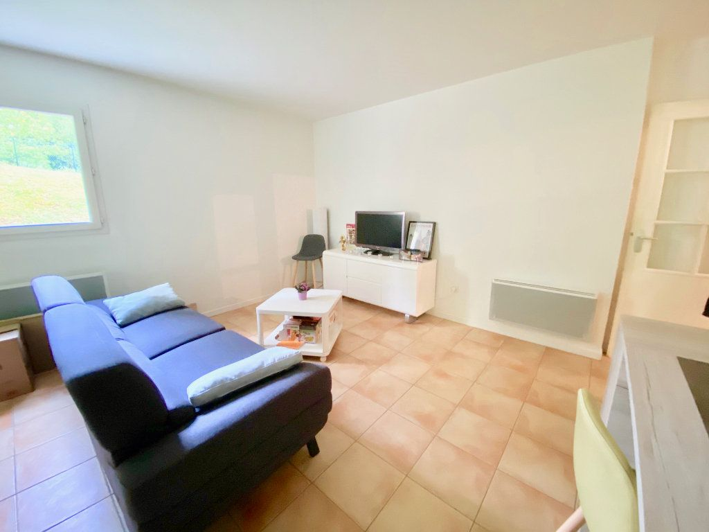 Appartement à vendre 3 63m2 à Saint-Vincent-de-Tyrosse vignette-4