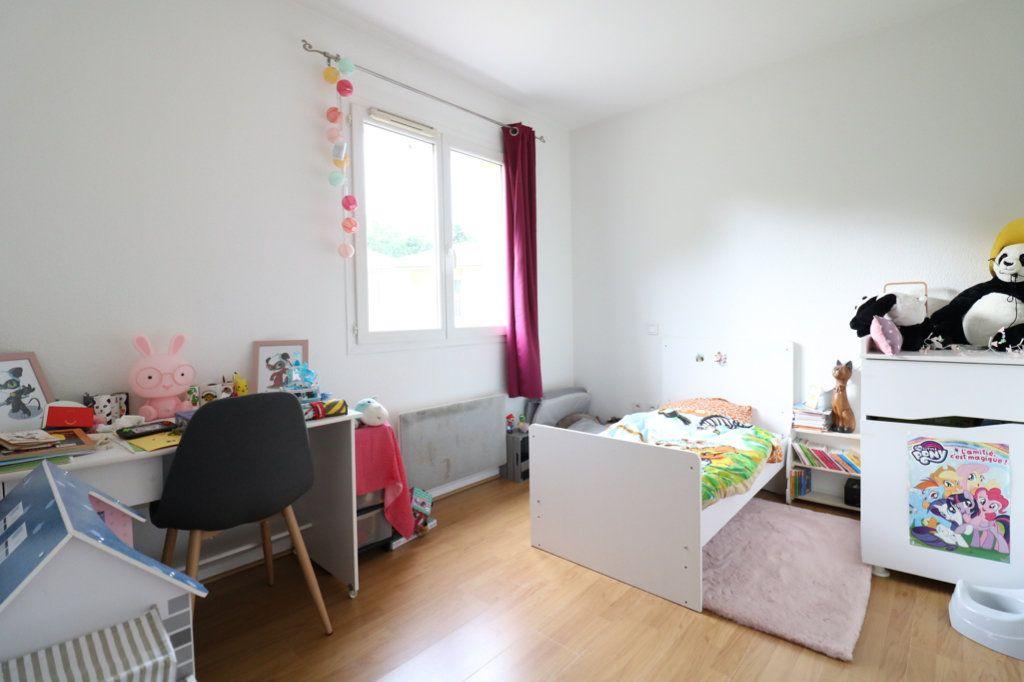 Appartement à vendre 3 63m2 à Saint-Vincent-de-Tyrosse vignette-5