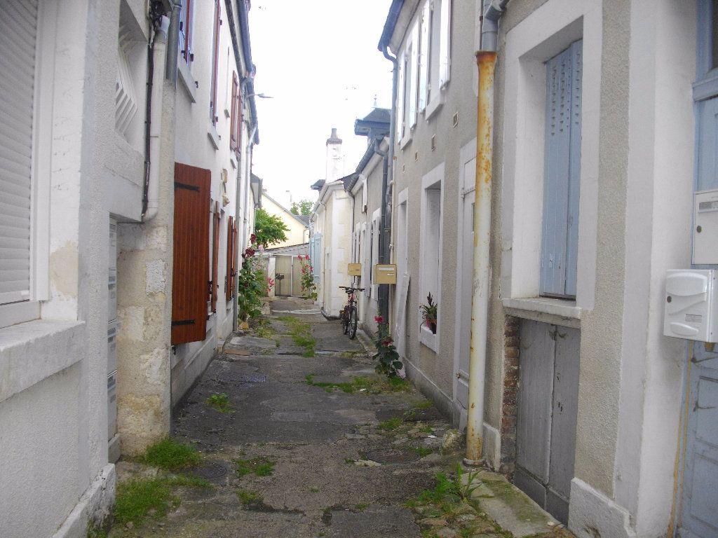 Appartement à louer 1 25.1m2 à Bourges vignette-6