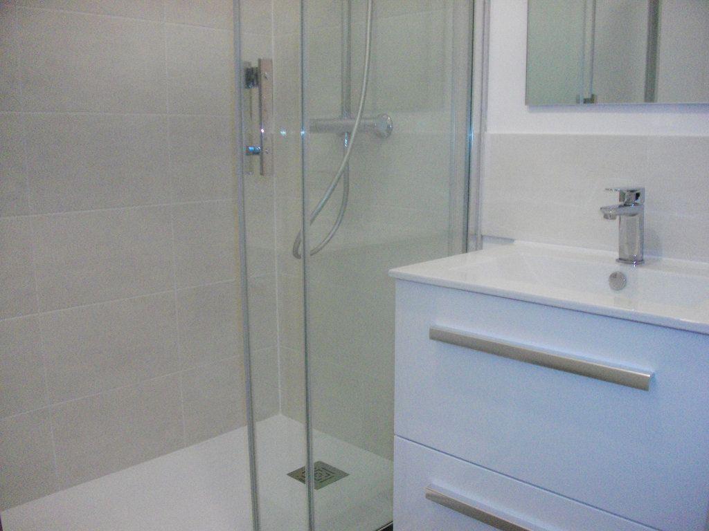Appartement à louer 2 55.4m2 à Bourges vignette-4