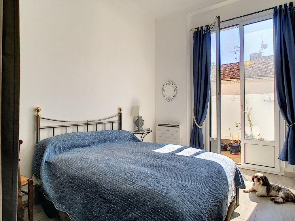 Appartement à vendre 2 48.67m2 à Cannes vignette-5