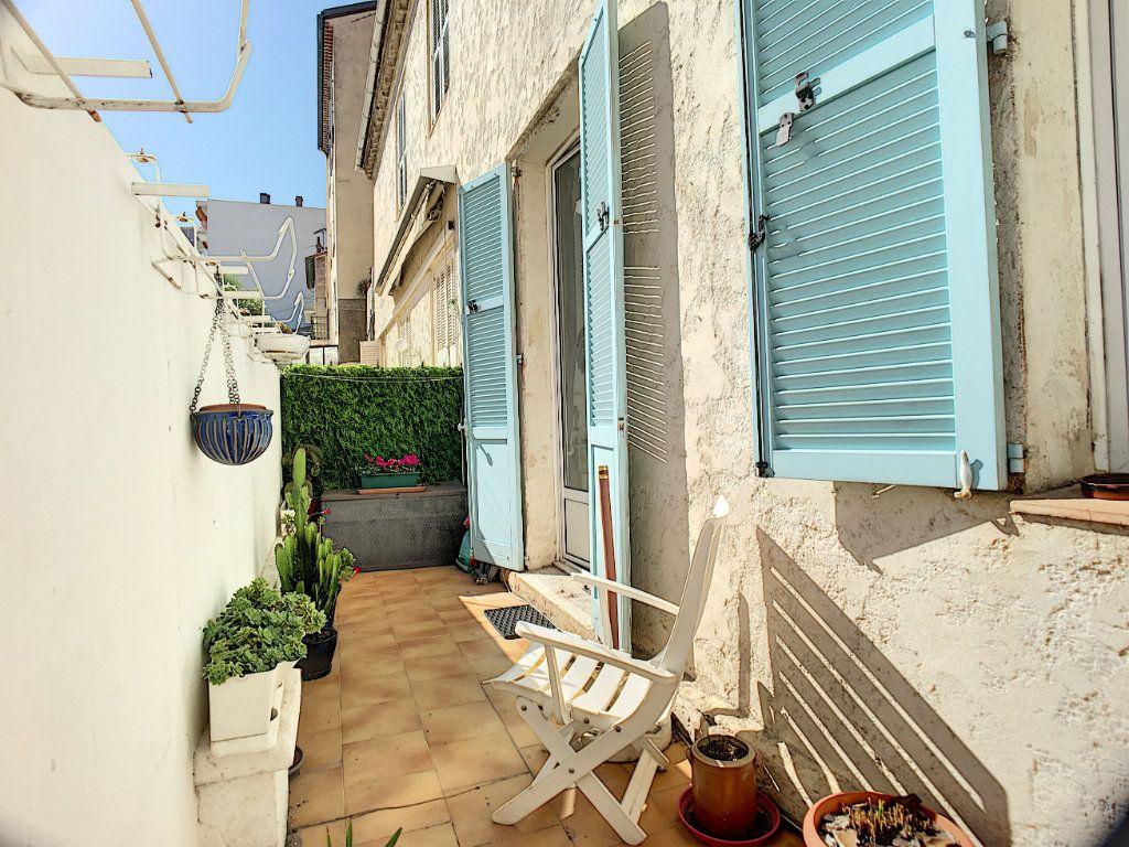 Appartement à vendre 2 48.67m2 à Cannes vignette-8