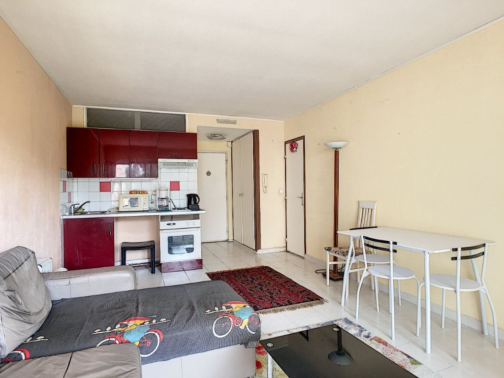 Appartement à vendre 1 28m2 à Cannes vignette-3