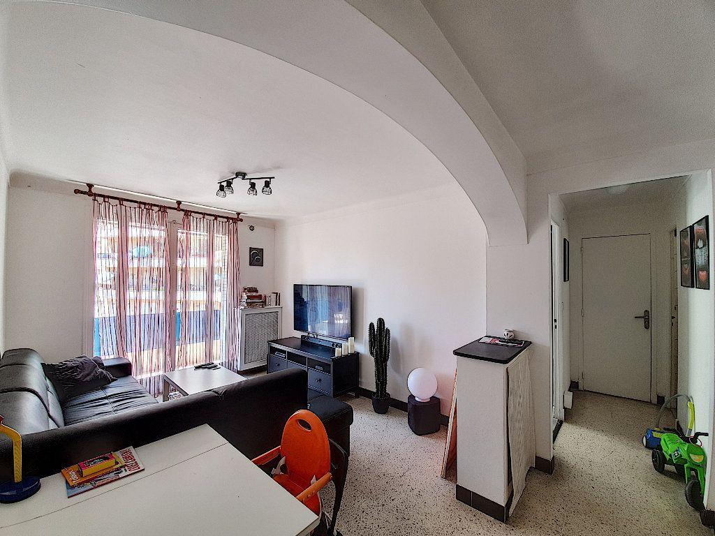 Appartement à vendre 4 68m2 à Cannes vignette-2