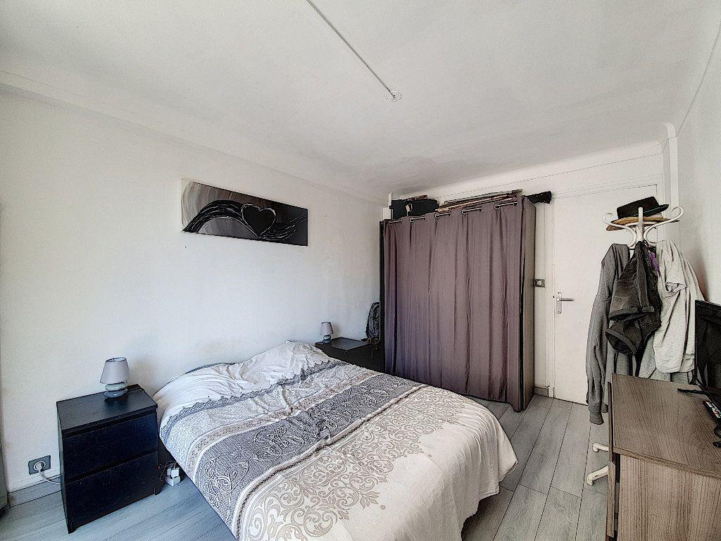 Appartement à vendre 4 68m2 à Cannes vignette-3