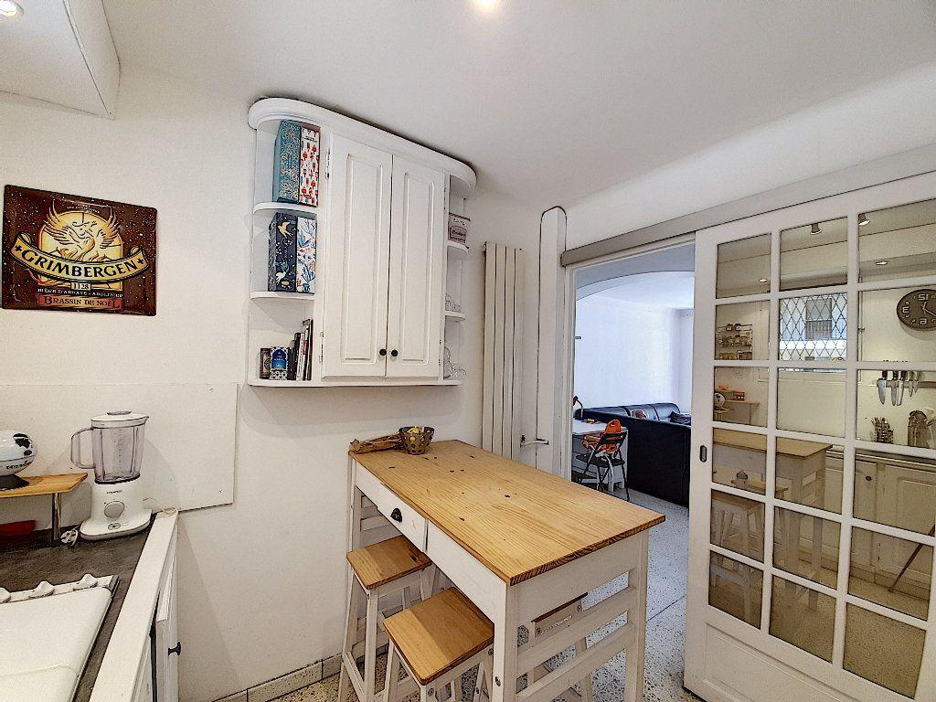 Appartement à vendre 4 68m2 à Cannes vignette-4