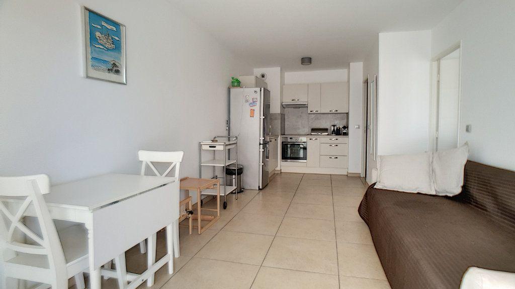 Appartement à vendre 2 42m2 à Cannes vignette-2