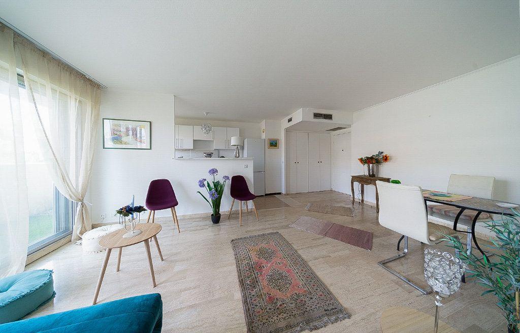 Appartement à vendre 2 45.14m2 à Cannes vignette-1