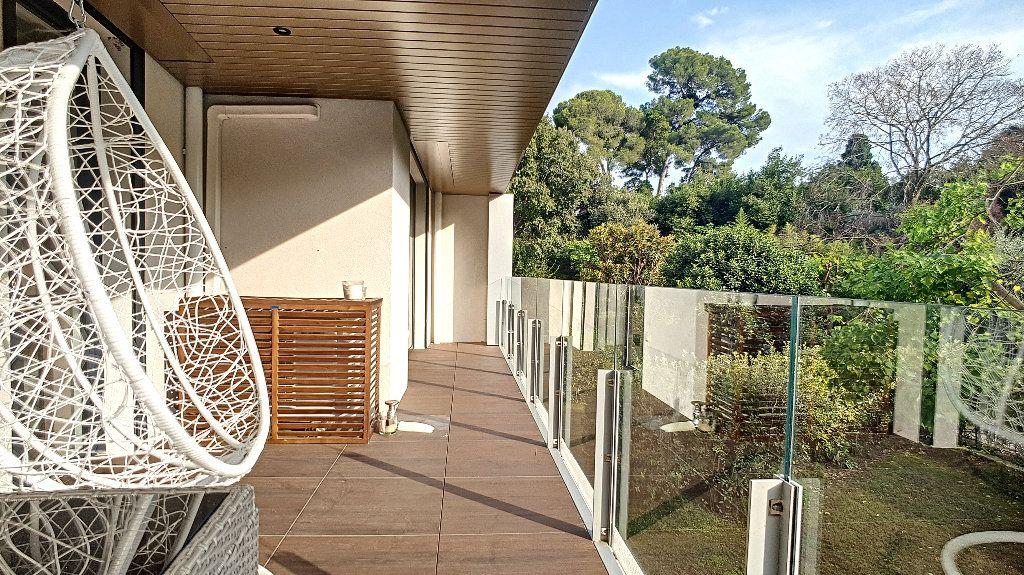 Appartement à vendre 3 72m2 à Cannes vignette-1