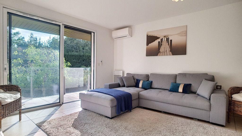 Appartement à vendre 3 72m2 à Cannes vignette-7