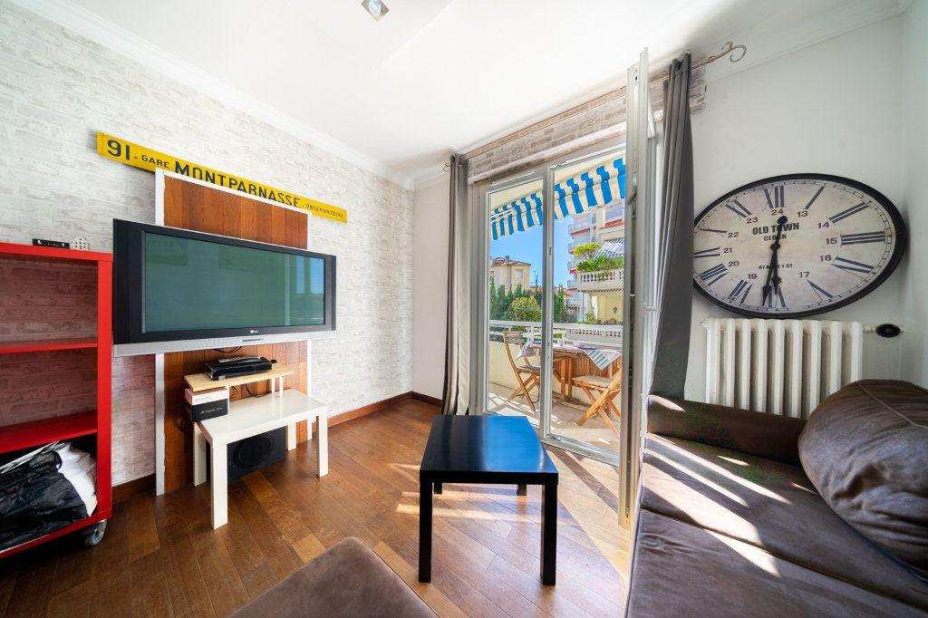Appartement à vendre 3 46m2 à Cannes vignette-1
