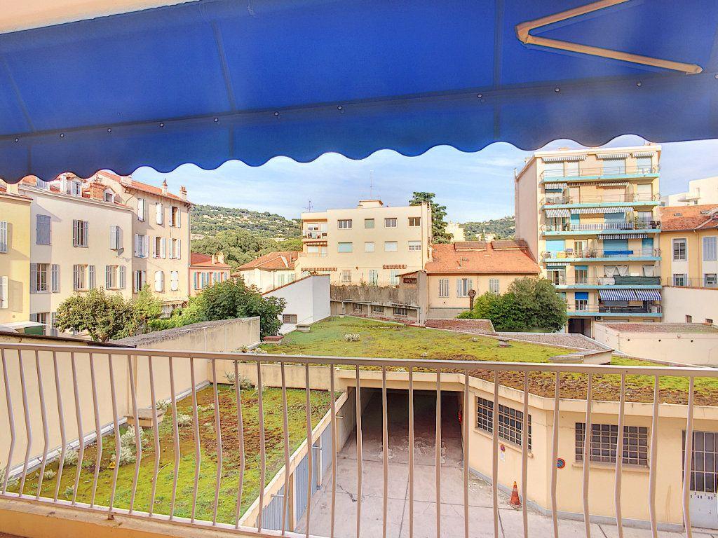 Appartement à vendre 2 29.74m2 à Cannes vignette-1