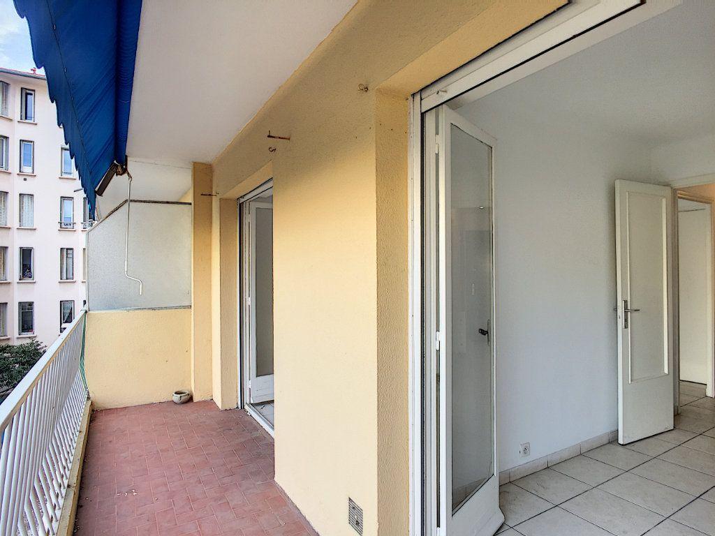 Appartement à vendre 2 29.74m2 à Cannes vignette-2