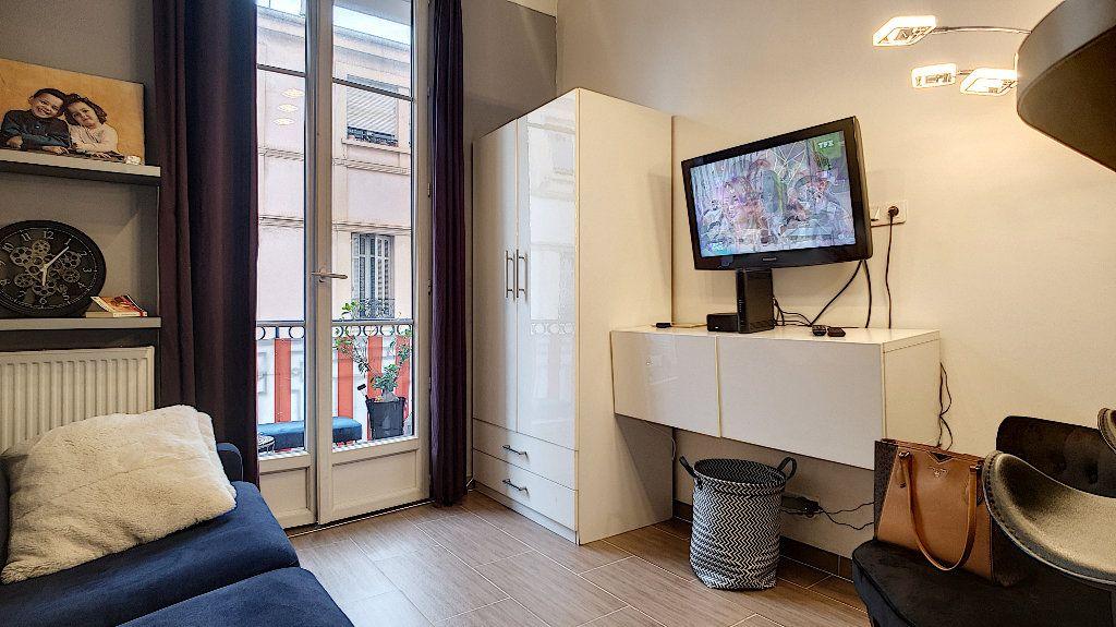Appartement à vendre 1 23m2 à Cannes vignette-1
