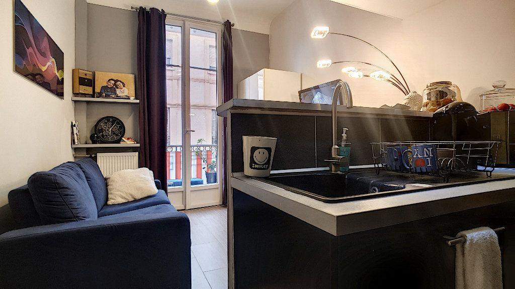 Appartement à vendre 1 23m2 à Cannes vignette-3