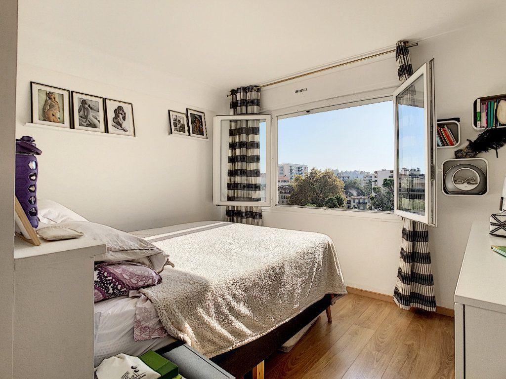 Appartement à vendre 3 58.62m2 à Cannes vignette-3