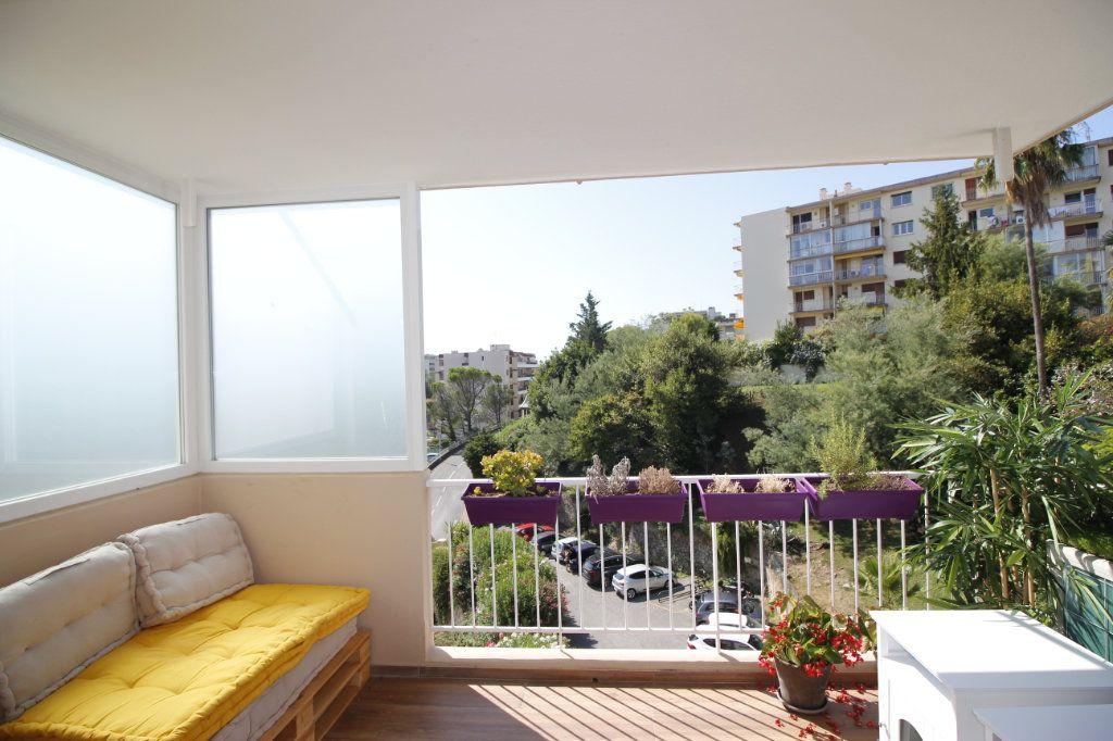 Appartement à vendre 3 58.62m2 à Cannes vignette-7