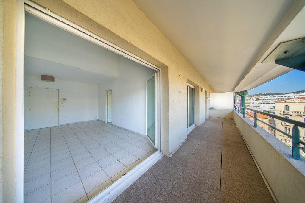 Appartement à vendre 3 59.3m2 à Cannes vignette-1