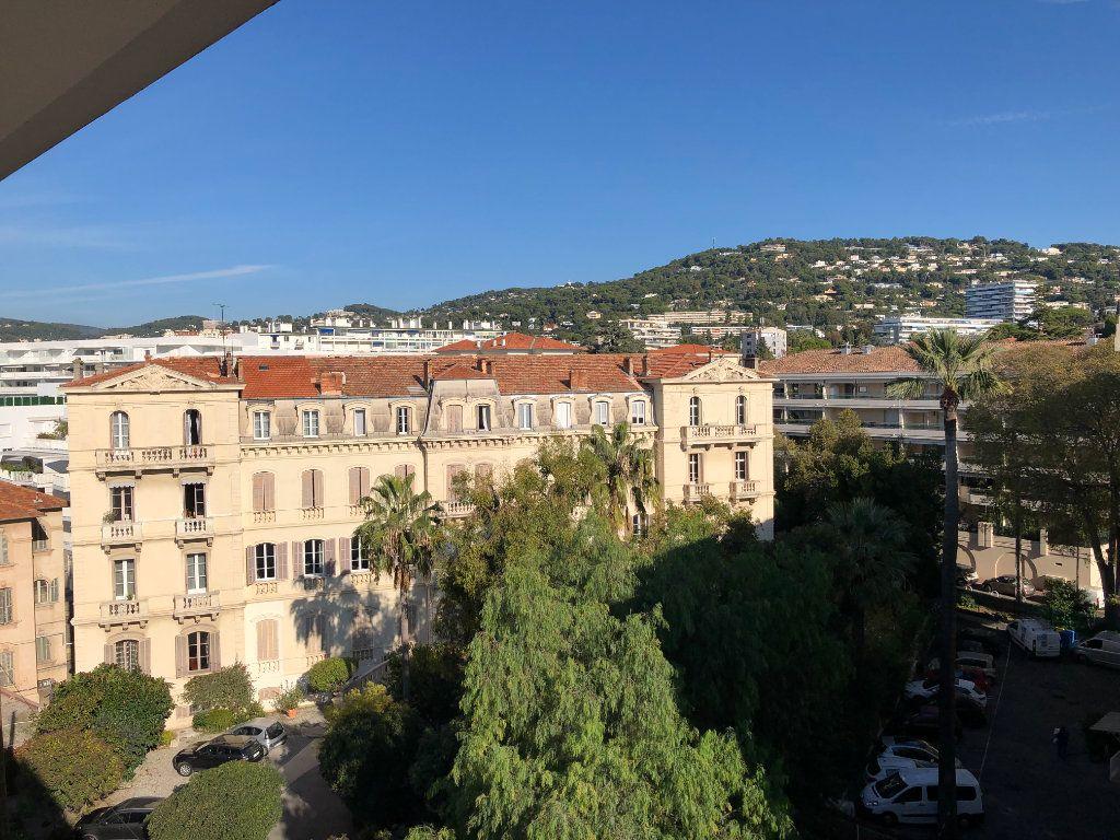 Appartement à vendre 3 59.3m2 à Cannes vignette-2