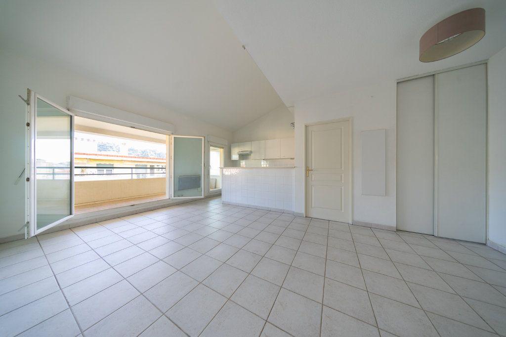 Appartement à vendre 3 59.3m2 à Cannes vignette-5