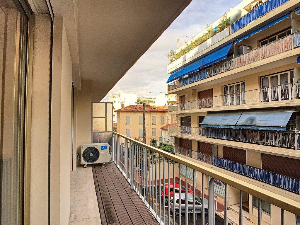 Appartement à vendre 3 71m2 à Cannes vignette-5