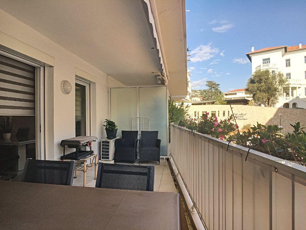 Appartement à vendre 3 72m2 à Cannes vignette-5