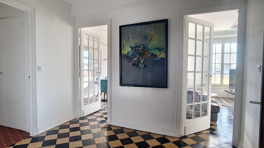 Appartement à vendre 5 116m2 à Cannes vignette-3