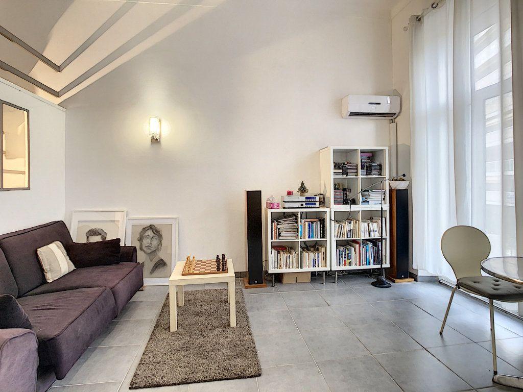 Appartement à vendre 3 55m2 à Cannes vignette-1