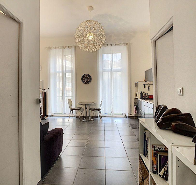 Appartement à vendre 3 55m2 à Cannes vignette-2