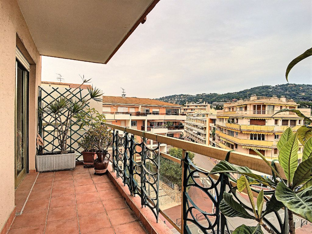 Appartement à vendre 2 55.56m2 à Cannes vignette-1