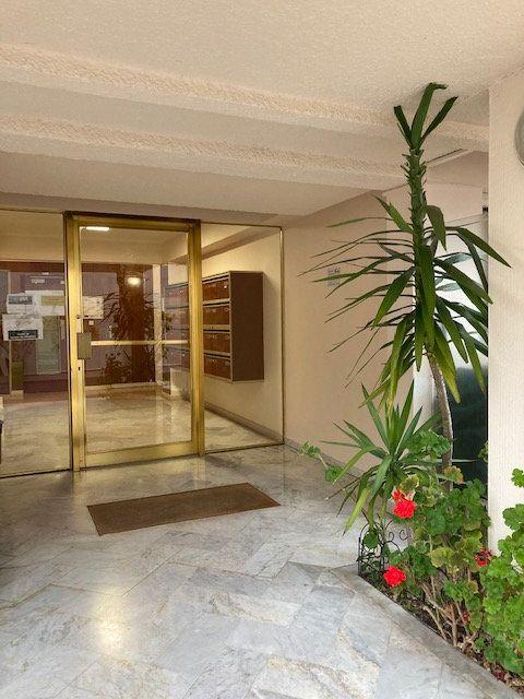 Appartement à vendre 1 20.28m2 à Cannes vignette-4