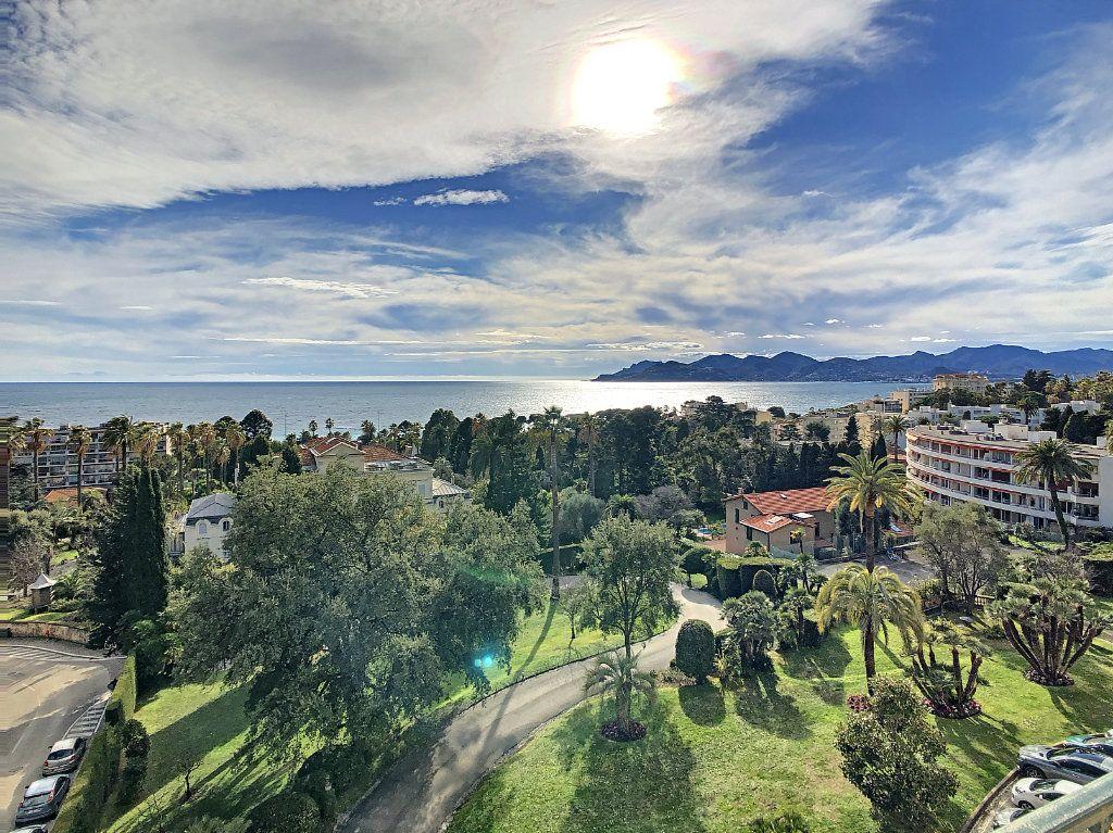 Appartement à vendre 4 114.16m2 à Cannes vignette-1
