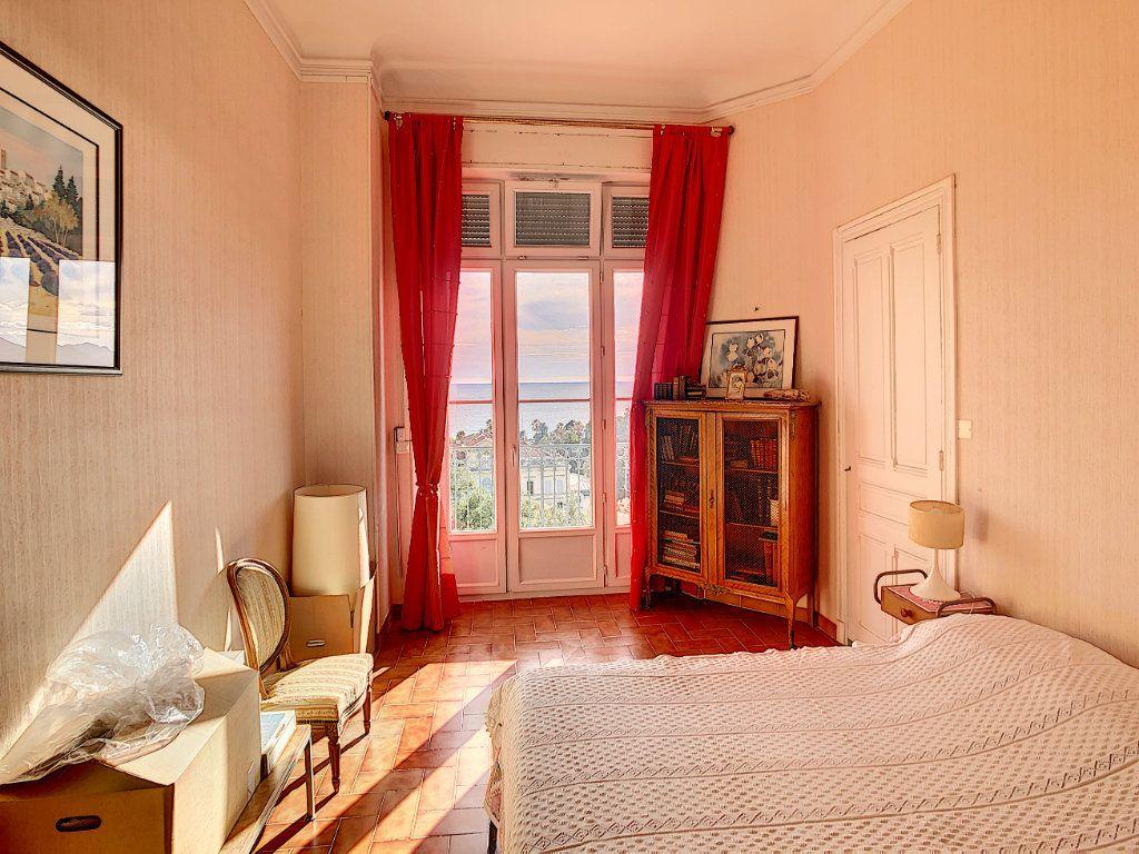 Appartement à vendre 4 114.16m2 à Cannes vignette-8
