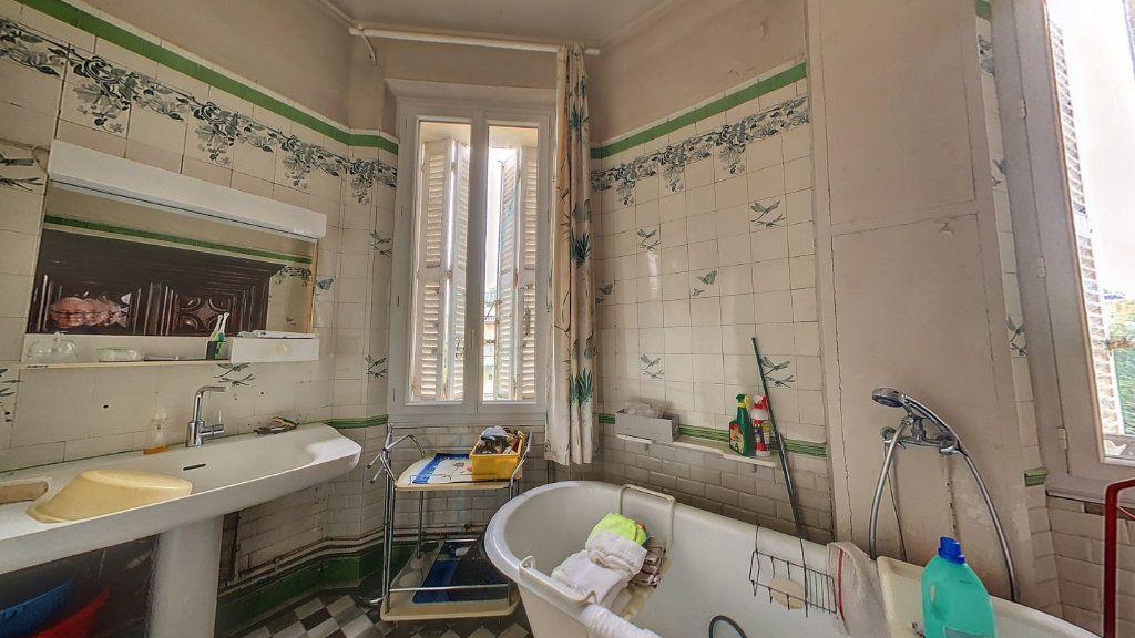 Appartement à vendre 4 114.16m2 à Cannes vignette-9