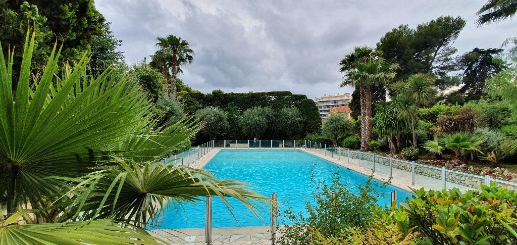 Appartement à vendre 1 35m2 à Cannes vignette-1
