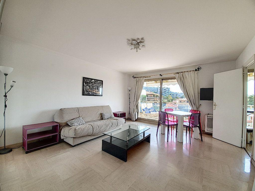 Appartement à vendre 1 35m2 à Cannes vignette-4