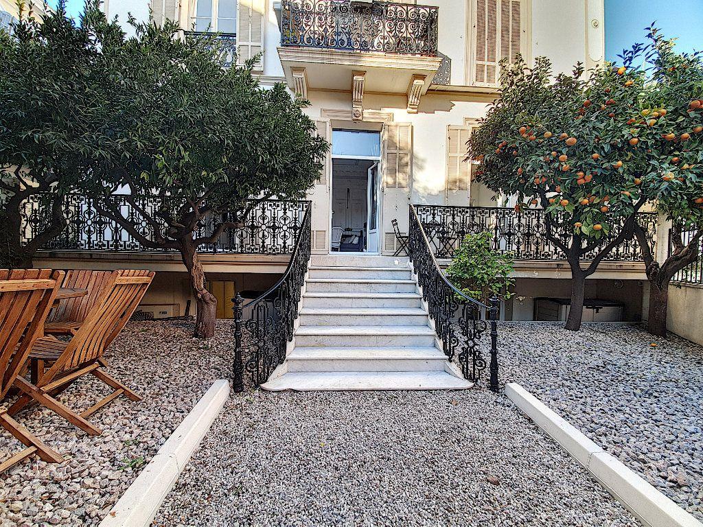 Appartement à vendre 9 190m2 à Cannes vignette-1