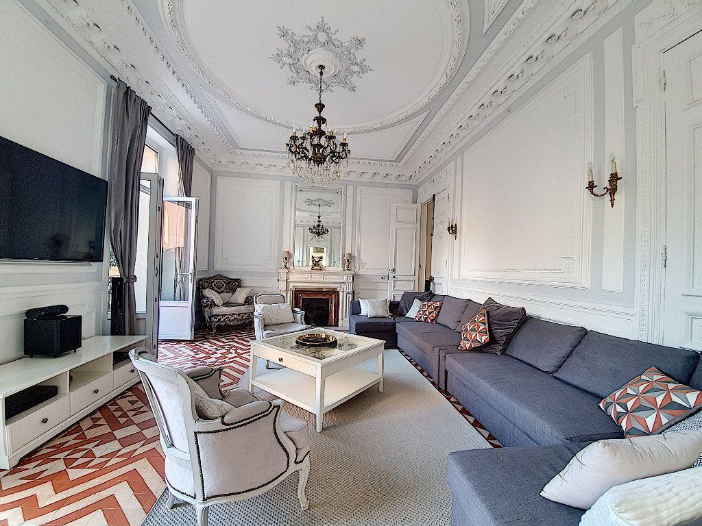 Appartement à vendre 9 190m2 à Cannes vignette-2