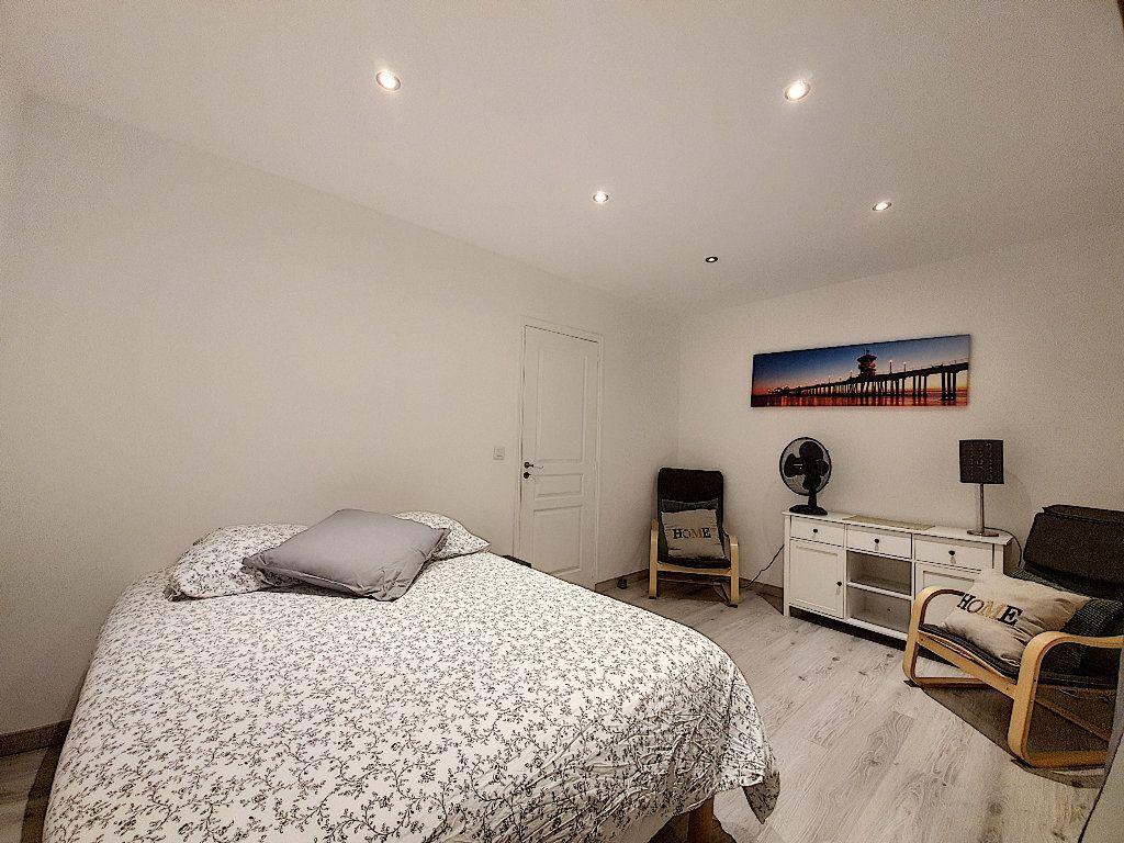 Appartement à vendre 9 190m2 à Cannes vignette-6