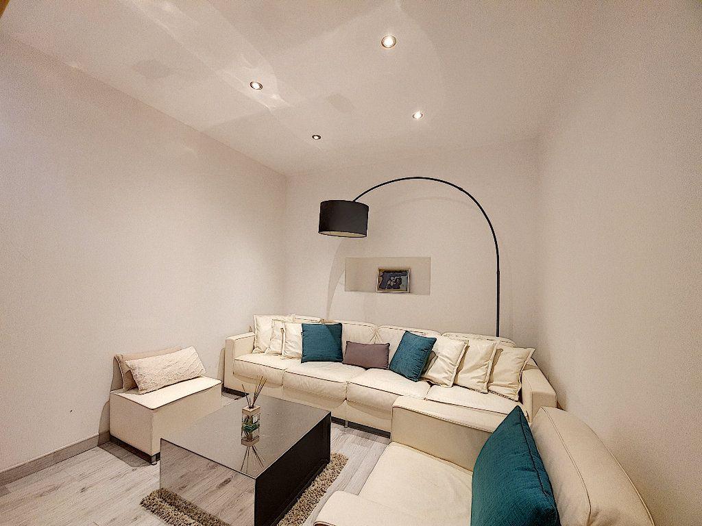 Appartement à vendre 9 190m2 à Cannes vignette-7