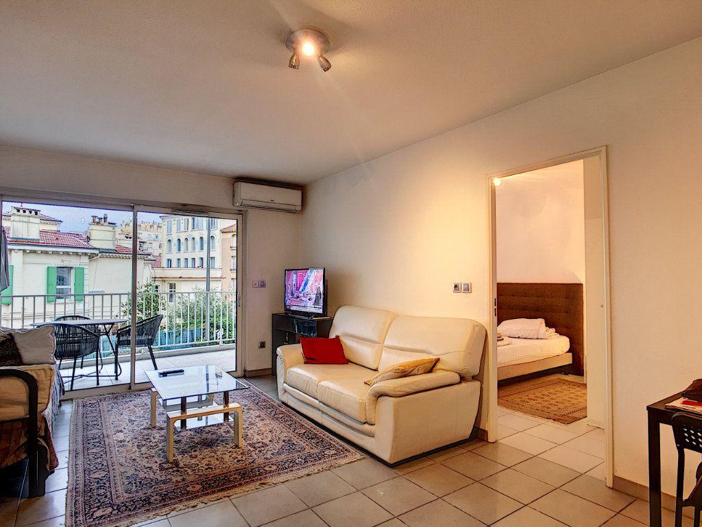 Appartement à vendre 2 49m2 à Cannes vignette-1