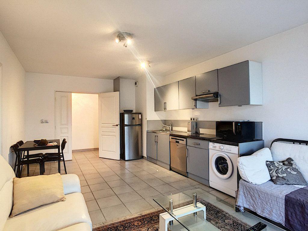 Appartement à vendre 2 49m2 à Cannes vignette-3