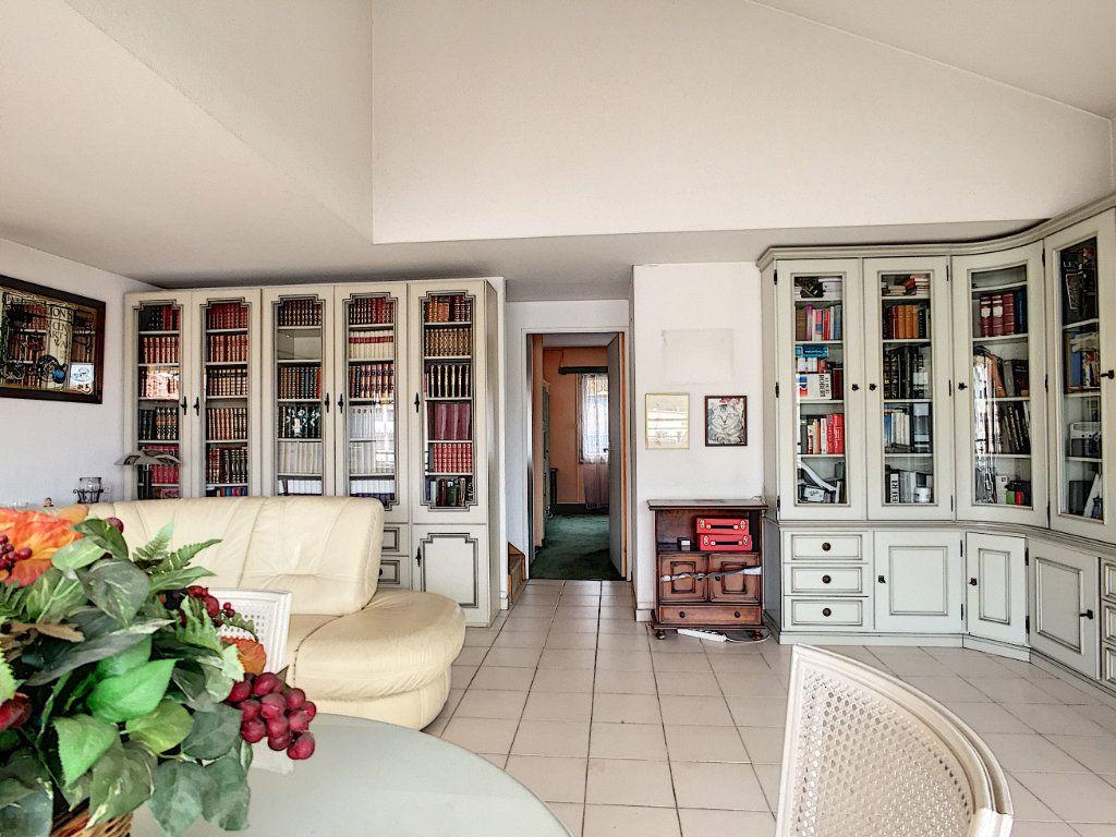 Appartement à vendre 3 90m2 à Cannes vignette-2