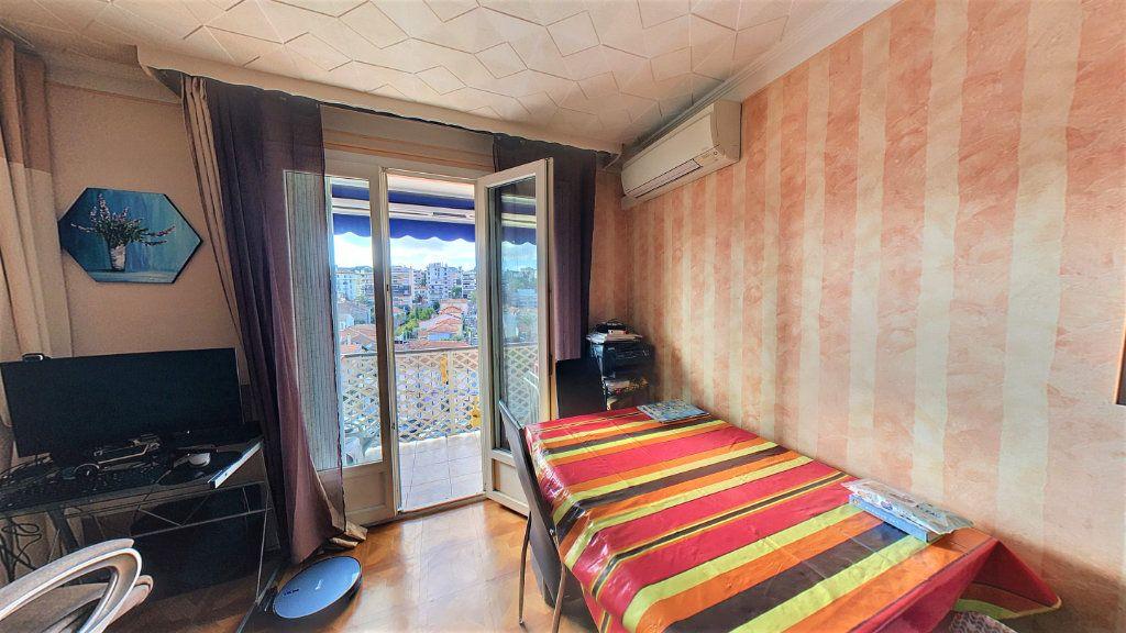 Appartement à vendre 3 55m2 à Le Cannet vignette-3