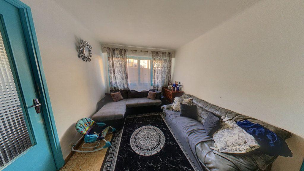 Appartement à vendre 2 50m2 à Cannes vignette-2