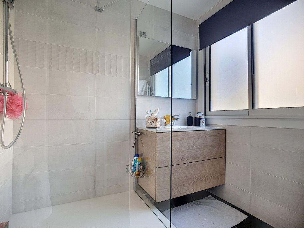 Appartement à vendre 2 49m2 à Cannes vignette-4