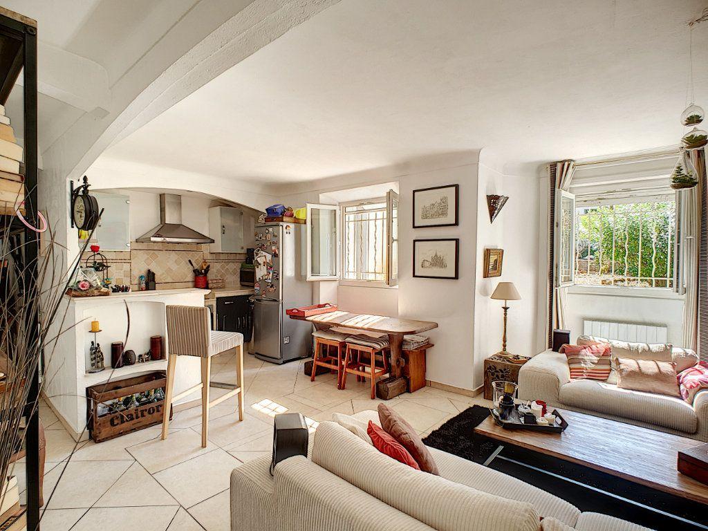 Appartement à vendre 4 82.5m2 à Cannes vignette-6