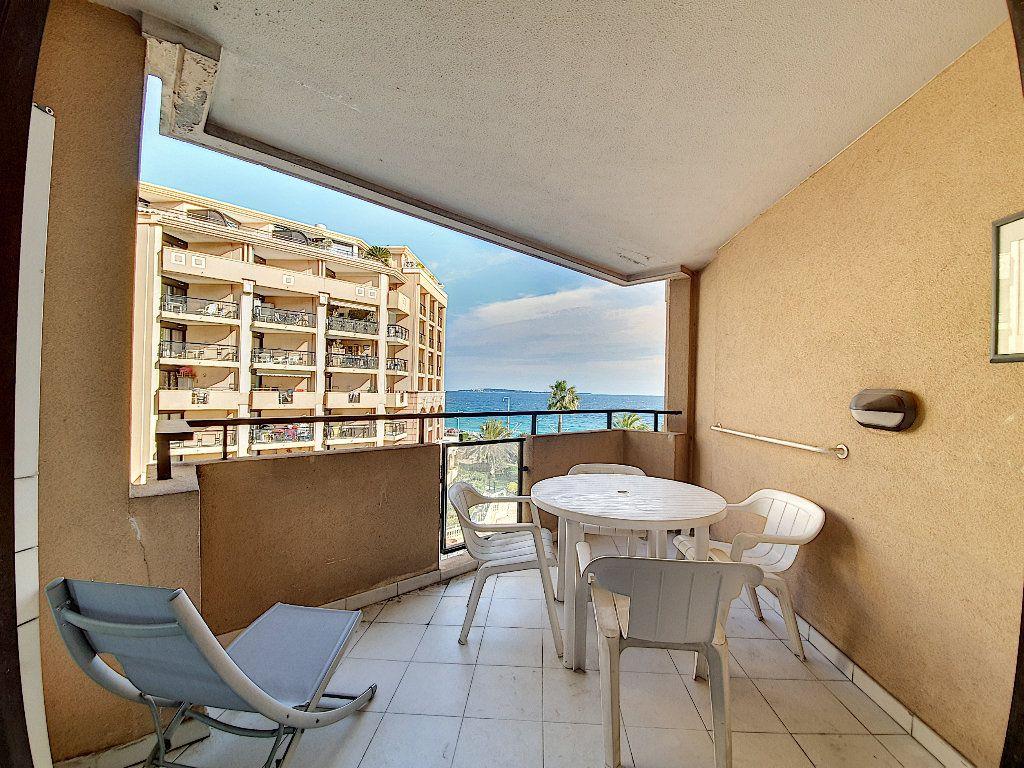 Appartement à vendre 2 27m2 à Cannes vignette-3